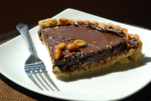 chocolate-crunched caramel tart 003